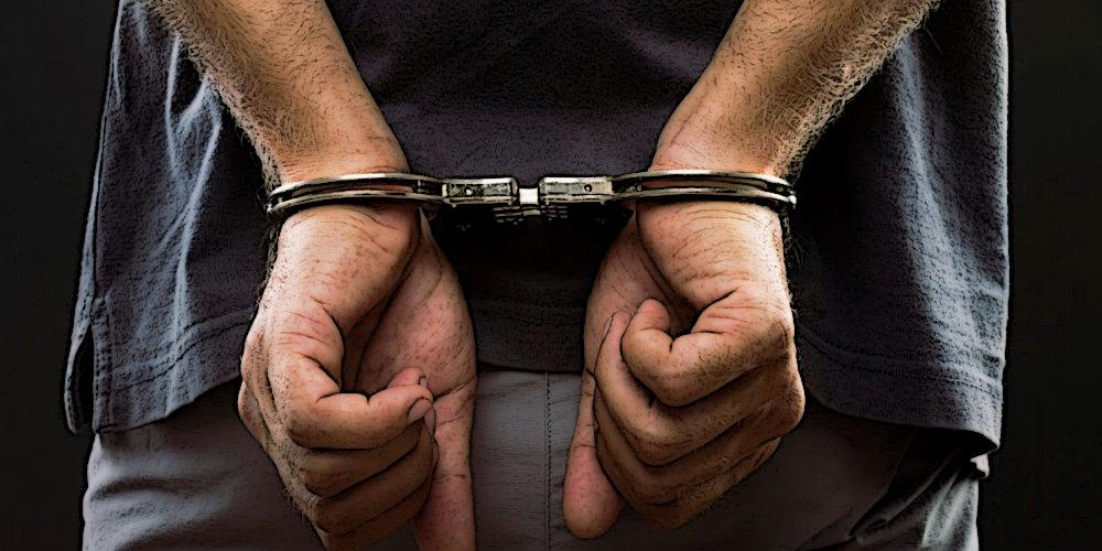 Поліція затримала тренера, який продавав клієнтам неіснуюче спортивне харчування