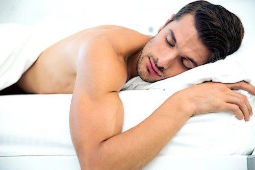 Большая часть гормона роста выделяется во время фазы глубокого сна