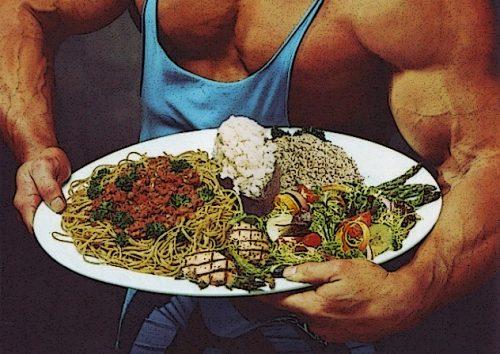 В течение 30-60 минут после тренировки необходимо поесть
