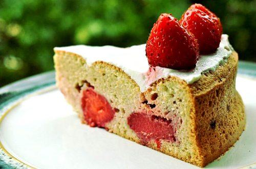Бисквит с клубникой без клетчатки: готовое блюдо