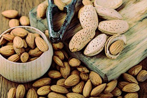 Мигдаль є джерелом мононенасичених жирних кислот