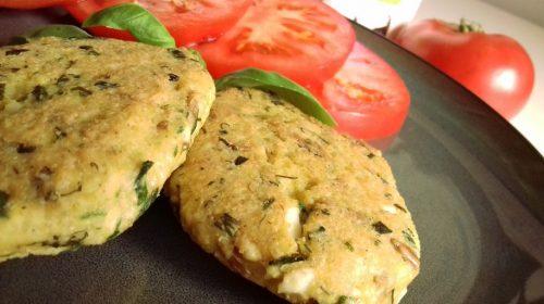 Котлеты с яйцами и пшеницей: готовое блюдо