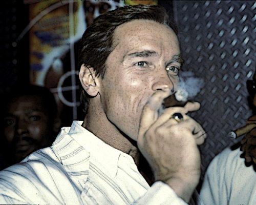 Арнольд Шварценеггер с сигарой