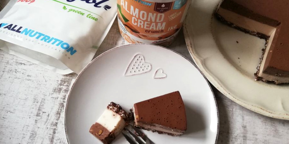 Миндально-йогуртовый торт