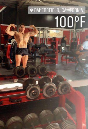 Джозеф Баена тренується в Каліфорнії