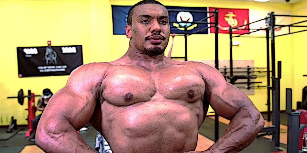 Ларри Уилс выполнил жим лежа с гантелями по 125 килограммов